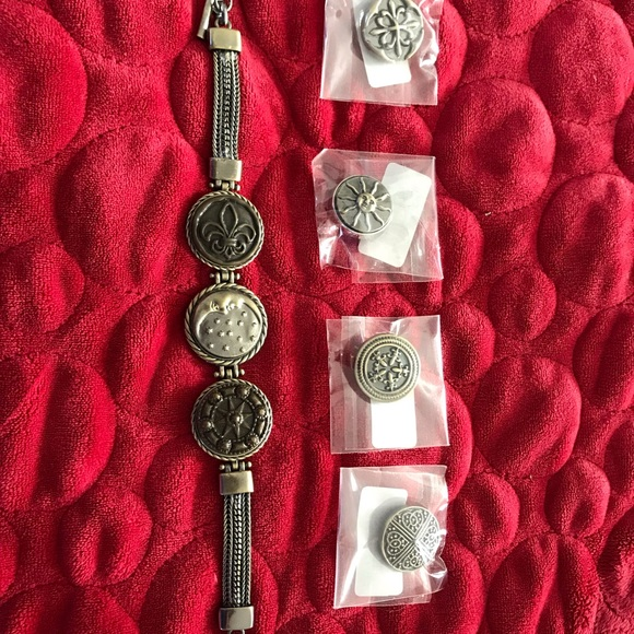 Gingersnaps Jewelry - Authentic GingerSnaps bracelet with seven snaps